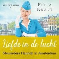 Stewardess Hannah in Amsterdam - Petra Kruijt