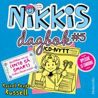 Nikkis dagbok #5: Berättelser om en (INTE SÅ SMART) Fröken Besserwisser - Rachel Renée Russell