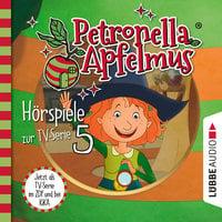Petronella Apfelmus, Teil 5: Was ist nur mit Dornwald los?, Blick in die Zukunft, Hilda in der Falle - Cornelia Neudert