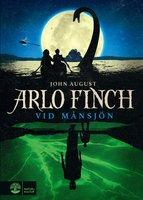 Arlo Finch vid Månsjön - John August
